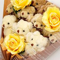 くま束(くまブーケ)スタンダード:ロマンスココア(黄色いバラの造花3本付き)の写真